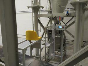 фасовка сухих смесей в клапанные мешки